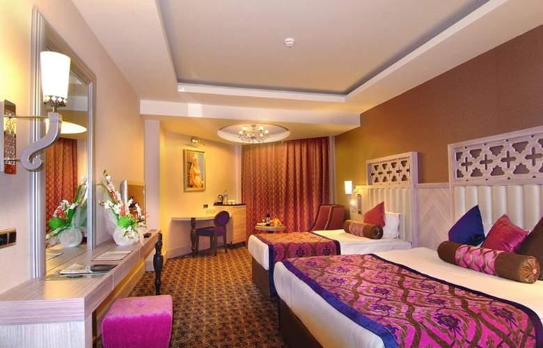 Royal Alhambra Palace - Room - 3