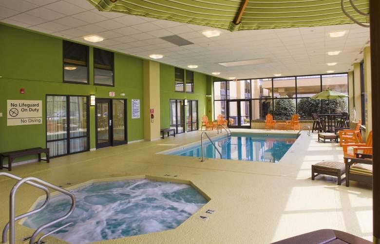 Hampton Inn Asheville - I-26 Biltmore Square - Pool - 0