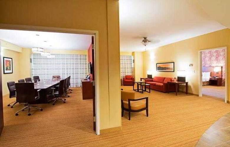 Courtyard Ottawa East - Hotel - 12