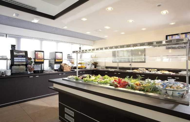 iQ Hotel Roma - Restaurant - 17