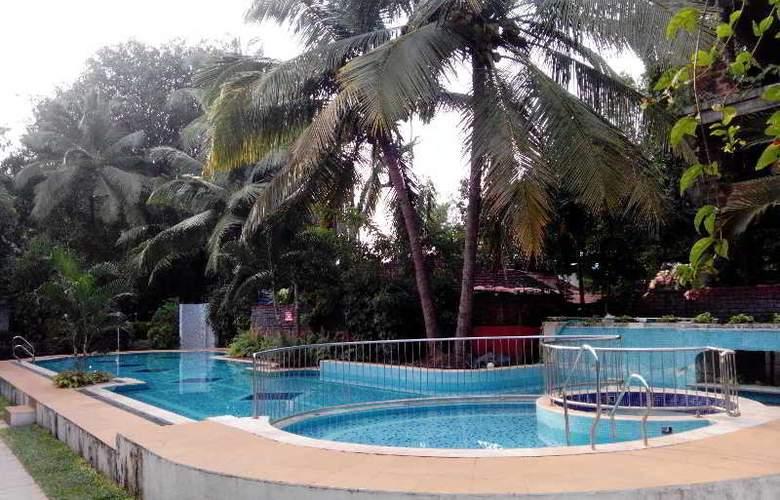 Villa Goesa - Pool - 15