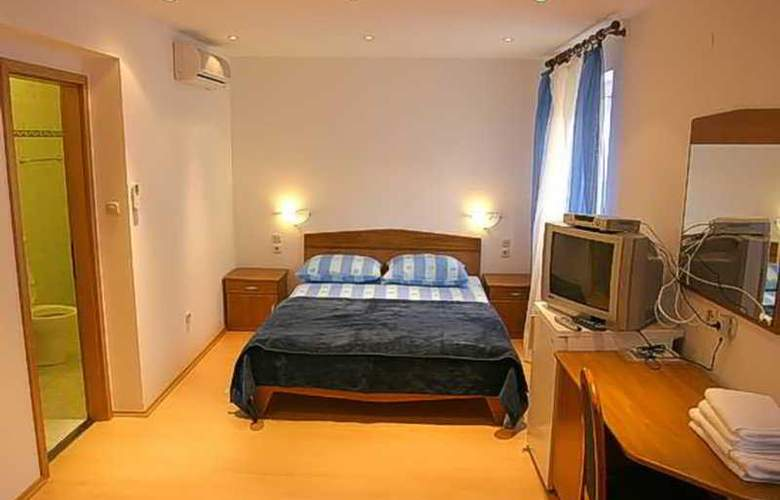 Garni Dionis - Room - 5