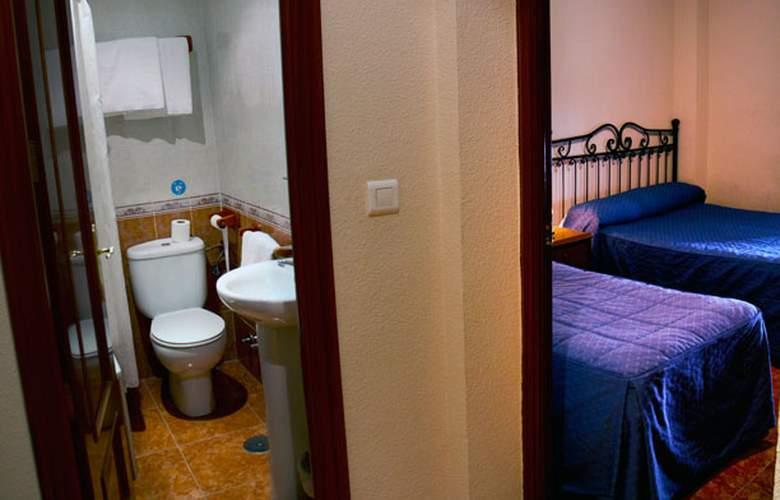 El Pilar - Room - 8