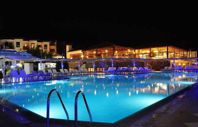 St Nicholas Park Hotel - Pool - 7