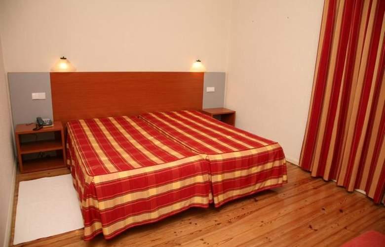 Evenia Monte Real - Room - 8