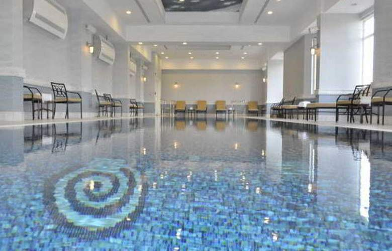 Grand Heritage Doha - Pool - 4