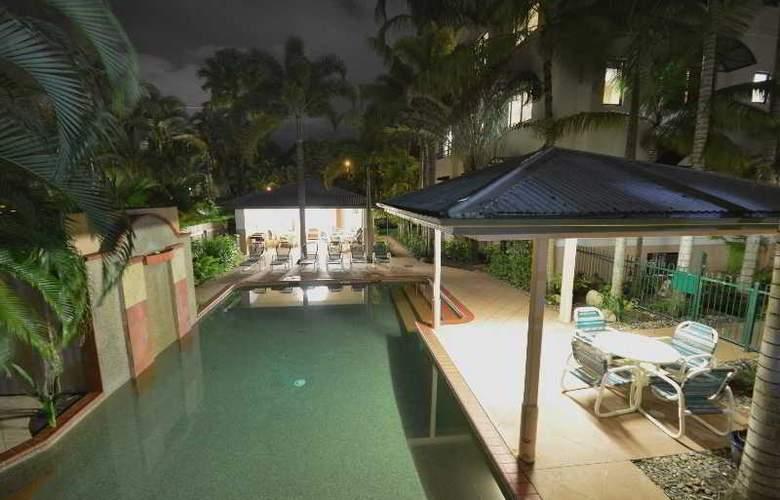 Grosvenor in Cairns - Pool - 20