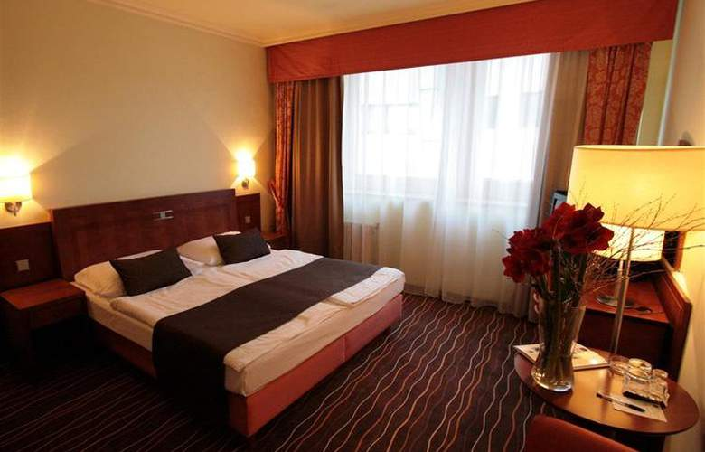 Luxury Family Hotel Bílá Labut - Room - 63