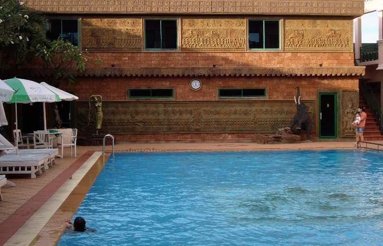 Imperial Garden Villa & Hotel Phnom Penh - Pool - 27