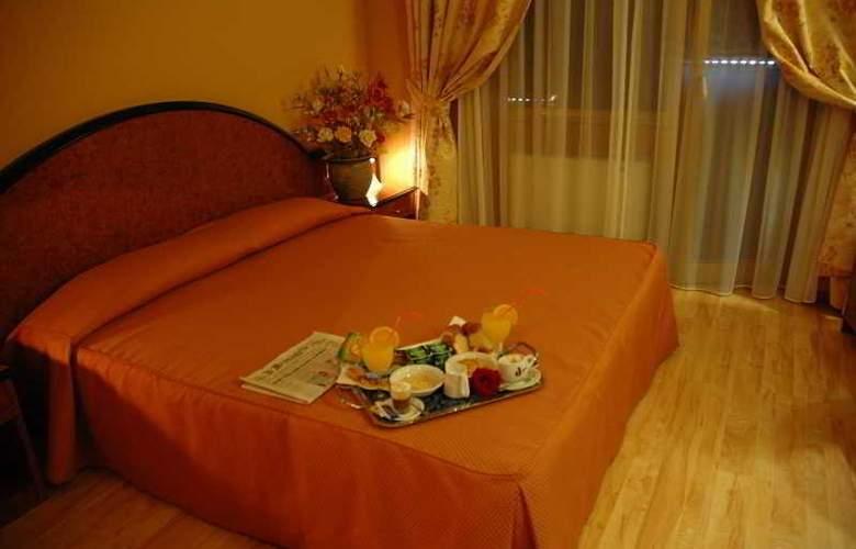 Grand Hotel Dei Cesari - Room - 3