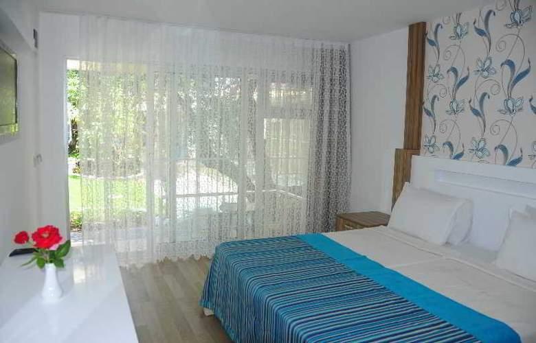 Altinkum Park Hotel - Room - 9
