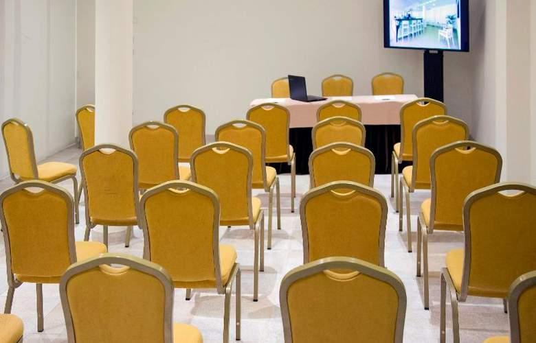 La Pergola Aparthotel - Conference - 76