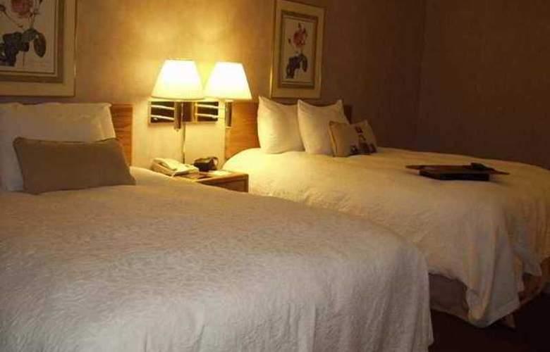 Hampton Inn & Suites Nashville-Downtown - Hotel - 9