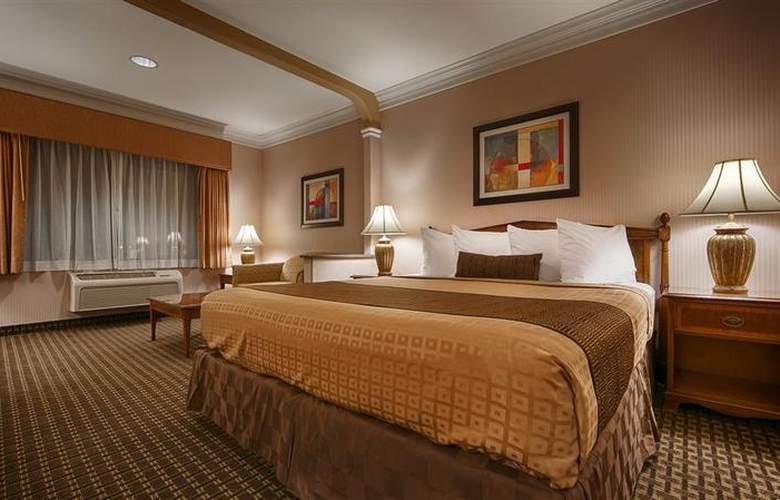Best Western Plus Suites Hotel - Room - 38