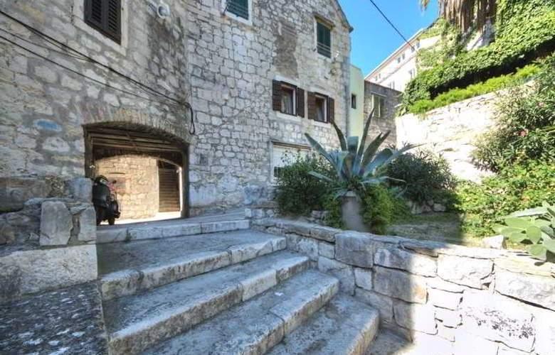 Apartment Sara - Hotel - 4