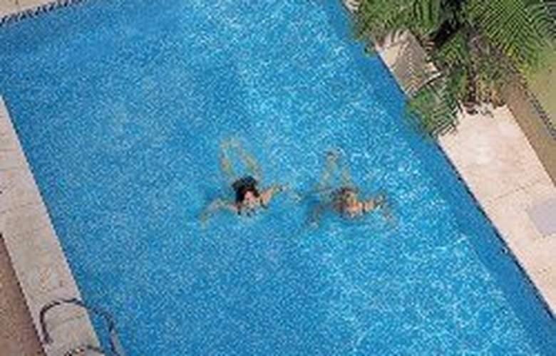RF Bambi - Pool - 7
