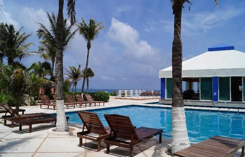 Solymar Beach Resort - Pool - 4