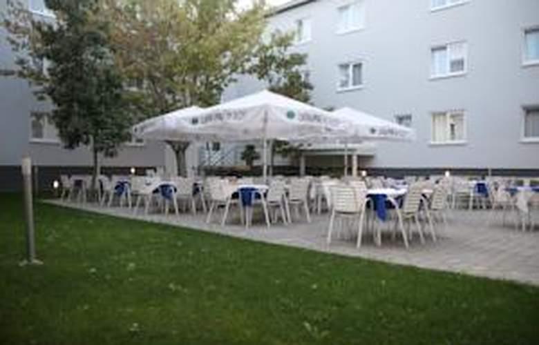 Porto - Terrace - 17
