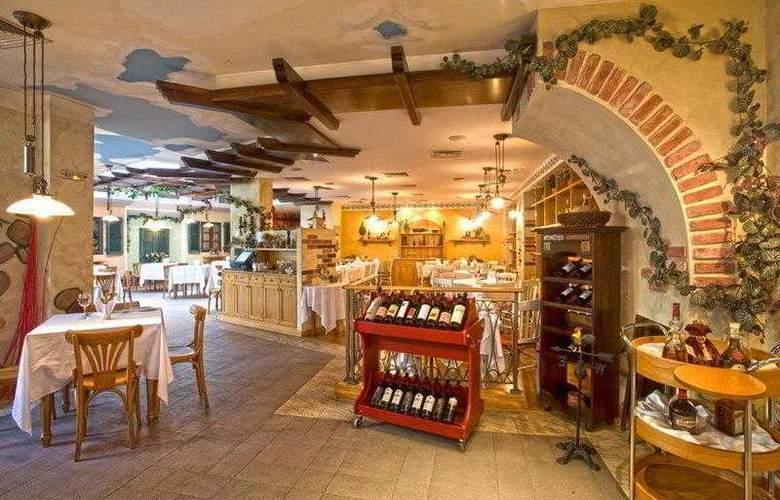 Best Western Premier Collection City Sofia - Restaurant - 71