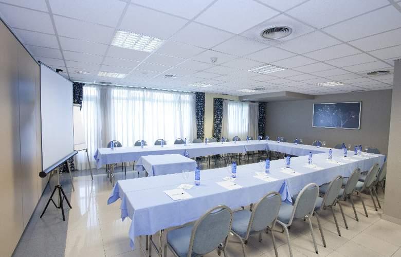 Avenida - Conference - 5
