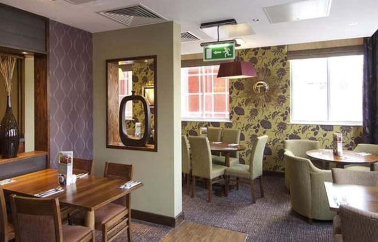 Premier Inn Chichester - Restaurant - 5