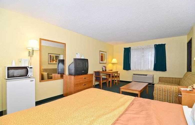 Best Western Ambassador Inn & Suites - Hotel - 35