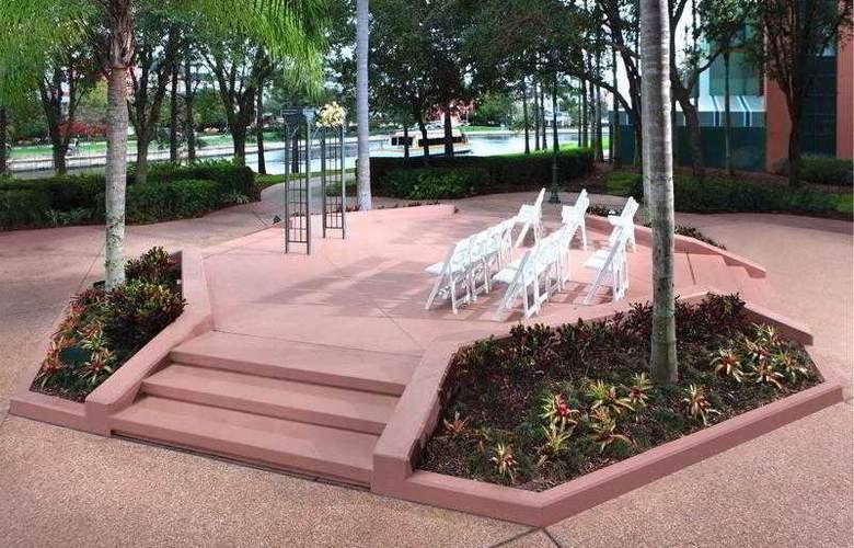 Walt Disney World Dolphin Resort - Terrace - 33