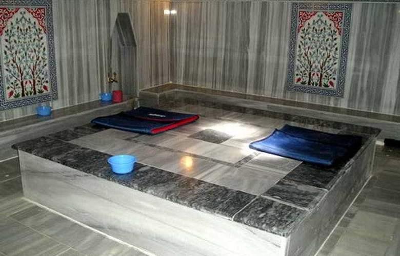 Cengiz Kaan Hotel - Sport - 11