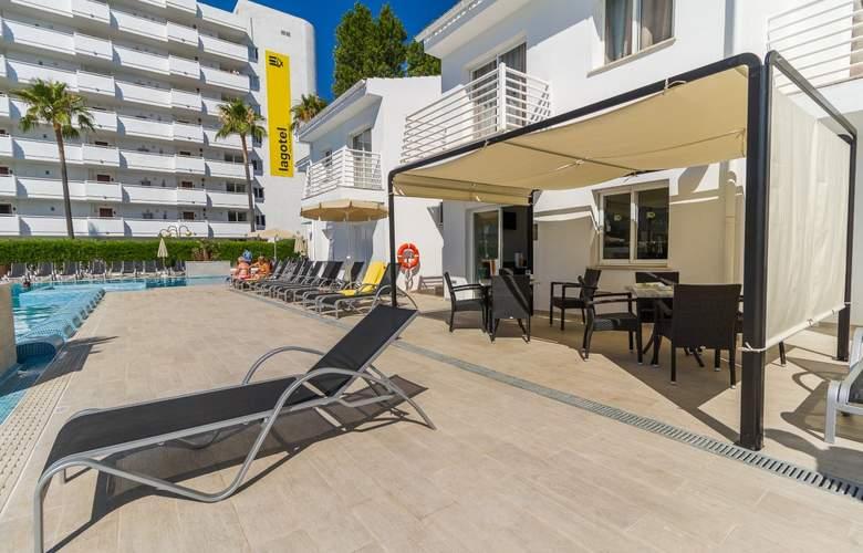 Eix Lagotel Hotel y apartamentos - Bar - 24