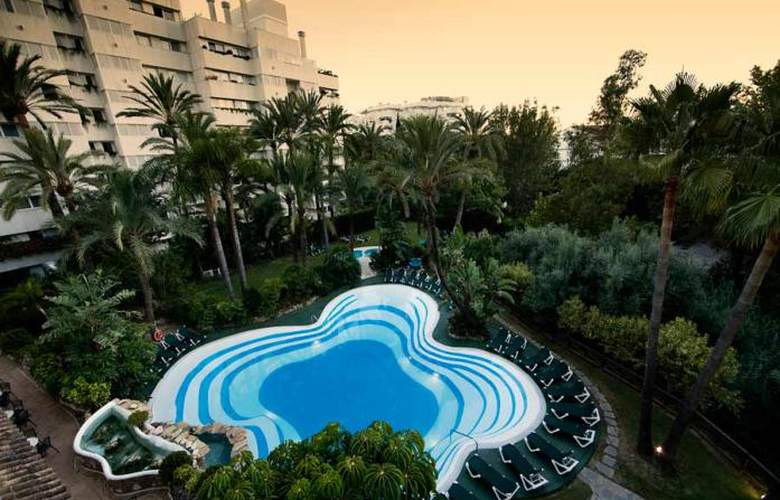 Monarque Sultan Aparthotel - Pool - 24