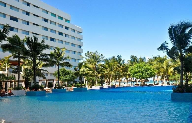 Grand Oasis Palm - Pool - 6
