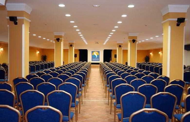Alegría El Cortijo - Conference - 6