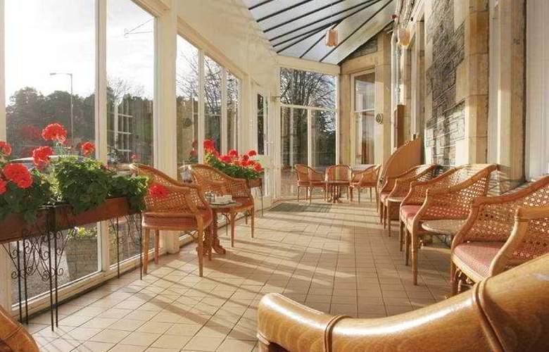 Caledonian Hotel - Terrace - 7