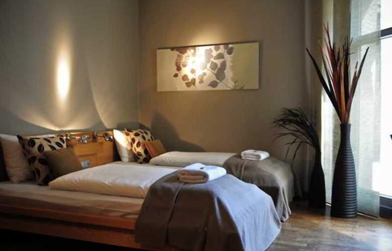 La Gioia Modern Designed Studios - Room - 9