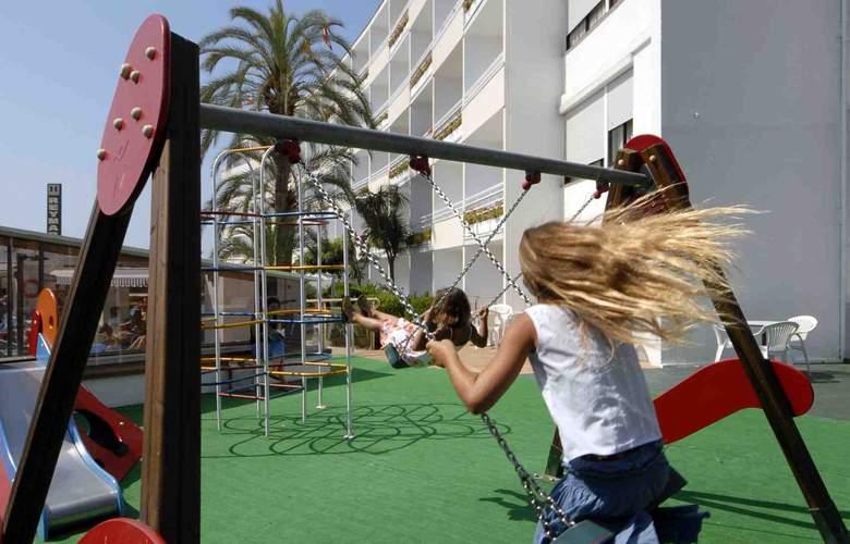 Premier Gran Hotel Reymar & Spa - Environment - 1
