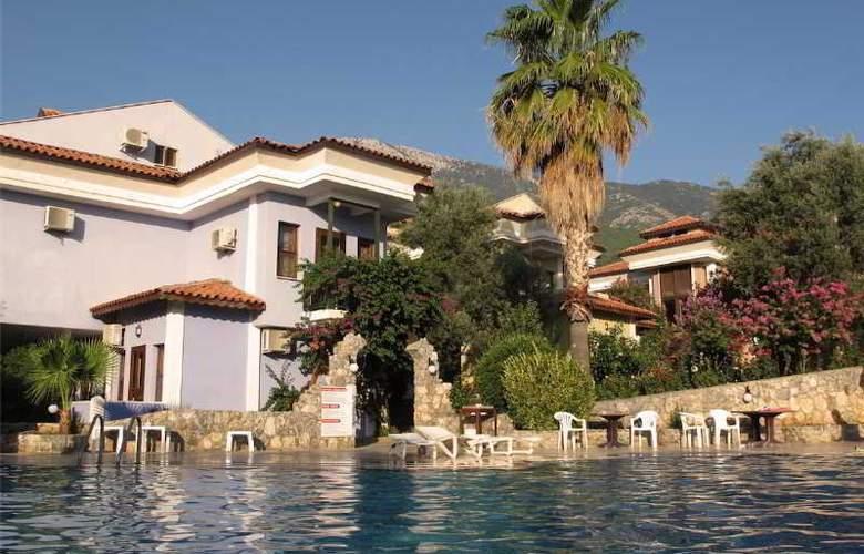 Ova Resort - Pool - 10