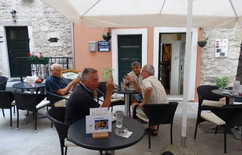 Guesthouse Pjaceta - Bar - 15