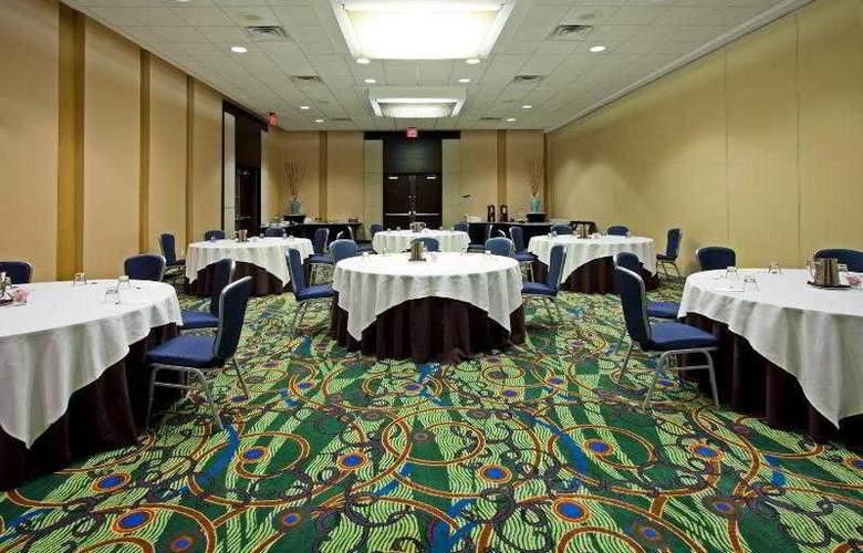 Crowne Plaza Tampa Westshore - Hotel - 12