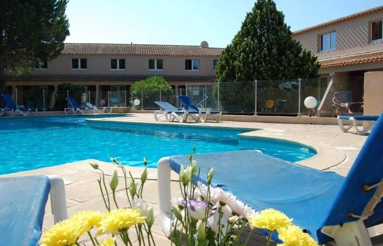 Royal Hotel Aigues Mortes - Pool - 8