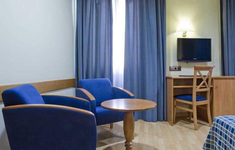 II Castillas Madrid - Room - 16