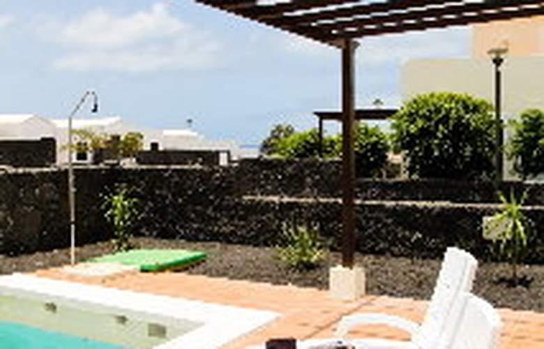Villas Janubio - Pool - 5