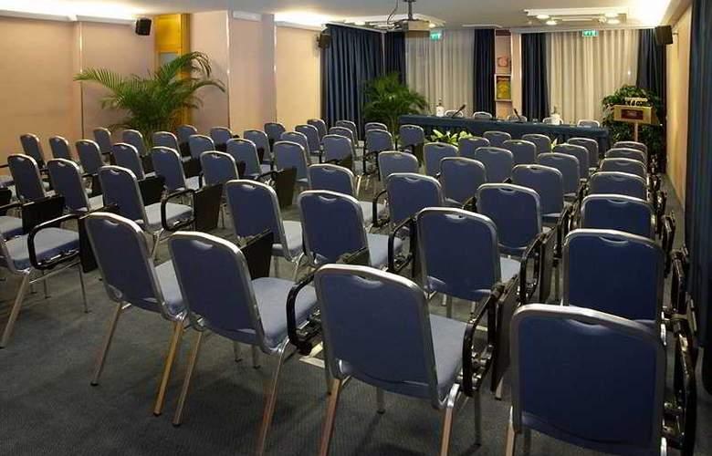 B.W. Mediterraneo - Conference - 6