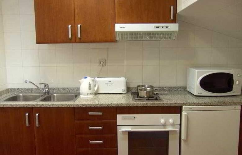 Apartamentos Sant Moritz - Room - 9