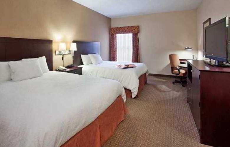 Hampton Inn Lawrence - Hotel - 1