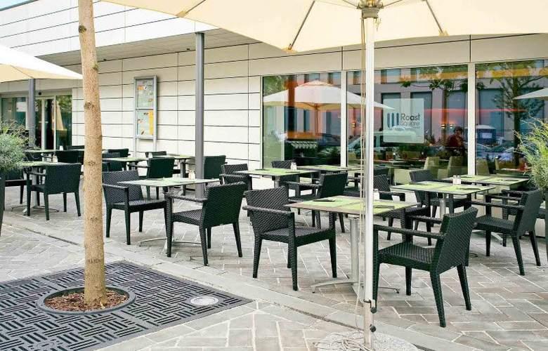 Novotel Luxembourg Kirchberg - Terrace - 4