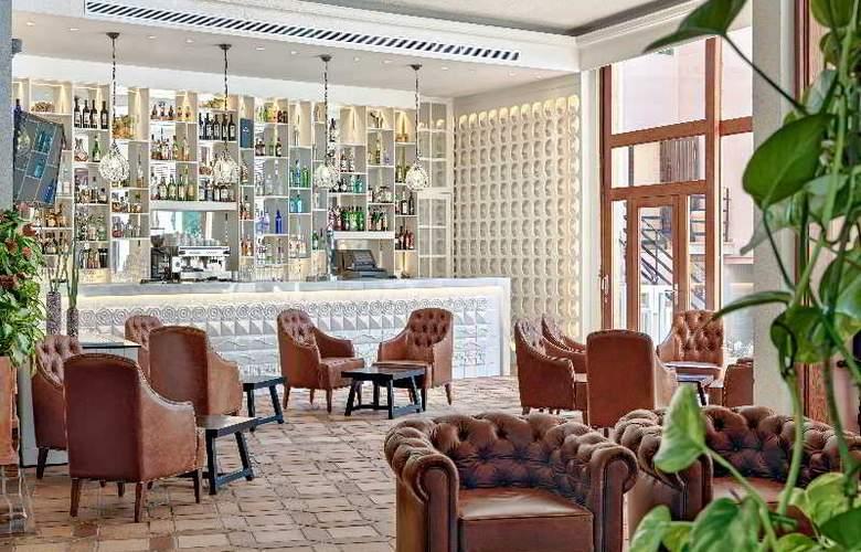 H10 Punta Negra Resort Hotel - Bar - 4