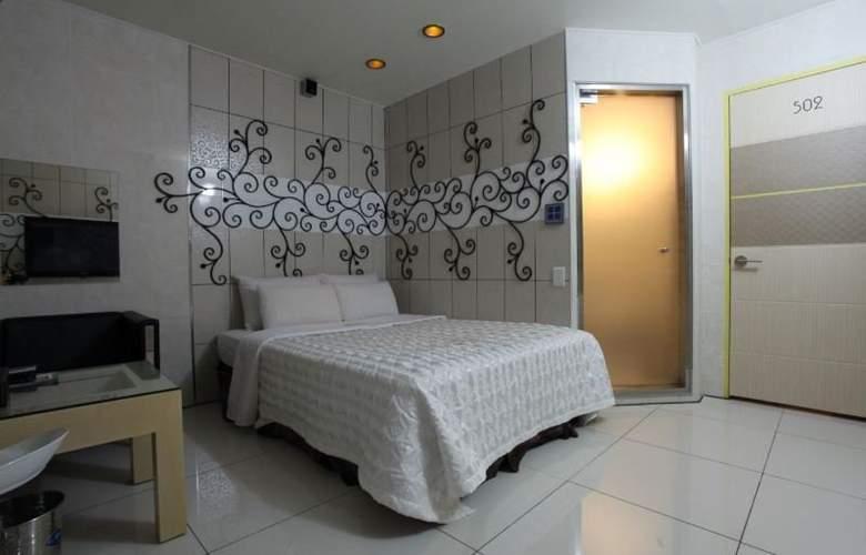 Plex - Room - 12