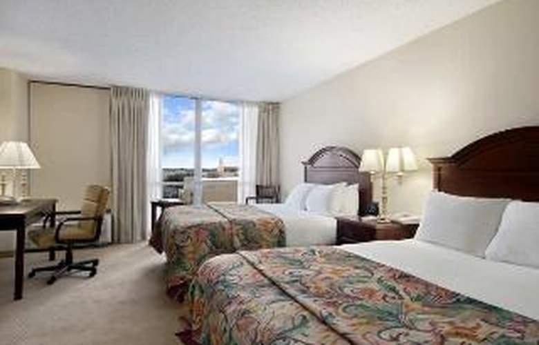 DoubleTree by Hilton Midland Plaza - Room - 2