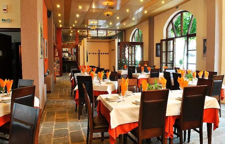 Arahova Inn - Restaurant - 34