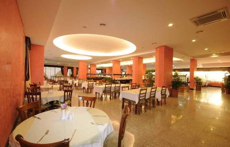 Pasa Beach Hotel - Restaurant - 11